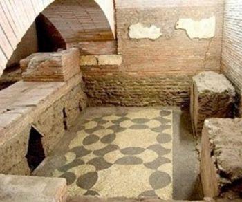 Visite guidate - I sotterranei di San Lorenzo in Lucina e i resti della meridiana di Augusto