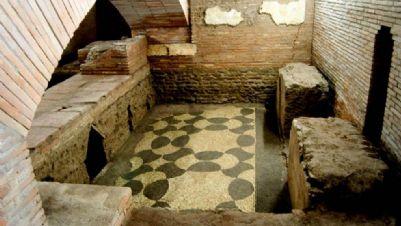 Visite guidate - I sotterranei di San Lorenzo in Lucina