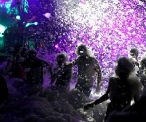 Serate - Schiuma Party di Ferragosto al Gay Village