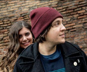 """Il duo nato da """"un colpo di fulmine tra la chitarra di Alex e la voce di Sara"""""""