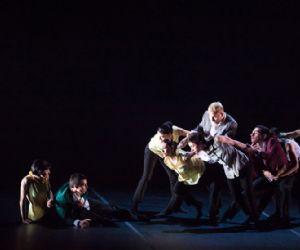 Al teatro Tor bella Monaca Spellbound Contemporary Ballet