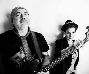Un duo imperdibile che unisce alla magia del basso elettrico una voce emozionante