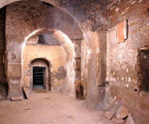 Visite guidate: Basilica di Santa Sabina: Sotterranei, Chiostro e Cella di San Domenico del Bernini