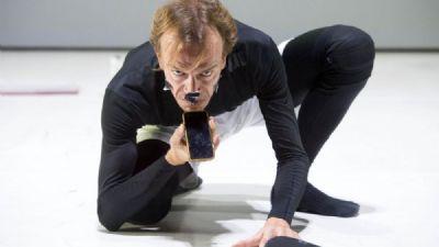 Spettacoli - Una giornata qualunque del danzatore Gregorio Samsa