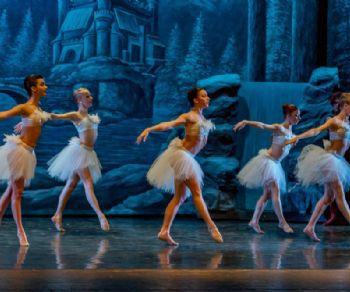 Il coreografo Luigi Martelletta propone un lavoro stilisticamente più snello, più vivace