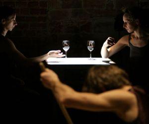Spettacoli: Taglio cesareo. Prove sul suicidio