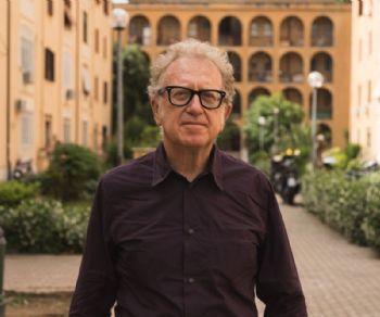 Una iniziativa social di e con Valerio Magrelli