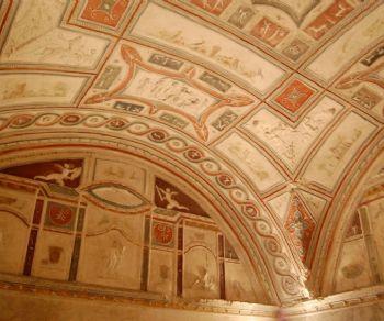 Un imperdibile percorso all'interno del parco archeologico e del Sepolcro Barberini