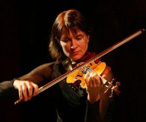 """Una grande violinista suona un """"nuovo"""" Bach"""