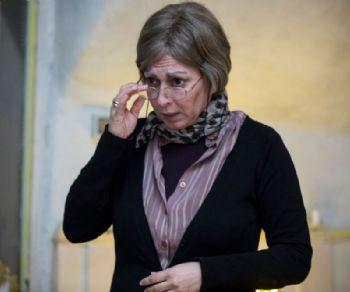 Siddhartha Prestinari nei panni di Bruna, la fedele governante di Maria Callas