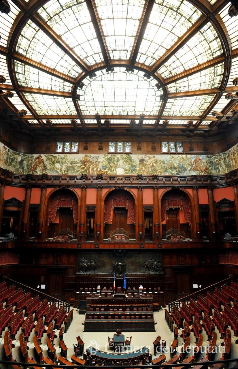 Palazzo montecitorio sede della camera dei deputati for Dove si riunisce il parlamento italiano