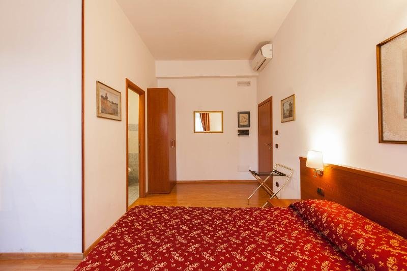 Bed & Breakfast: Domus Appia 154
